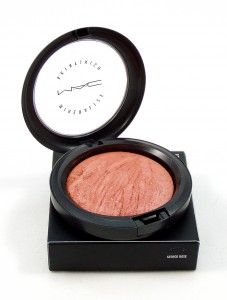 review mac mineralize skinfinish in stereo rose foxy voxy s